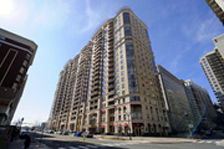 Liberty Center - ArlingtonCondo.com #1 condo site